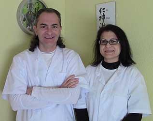 María Teresa Morcillo y Oscar Bernabeu practicantes autorizados por la Facultad de Jin Shin Jyutsu Inc. Arizona USA